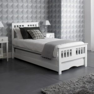 White Guest Bed Inc Trundle